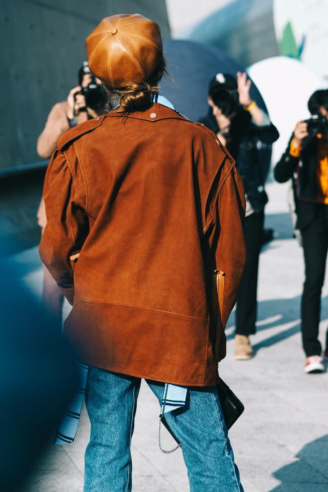 Street style in Seoul #people #streetphotography #style #fashion #photography #fashionweek