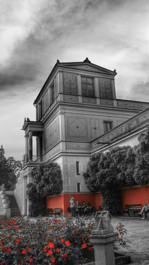 blackandwhite colorsplash travel architecture photography